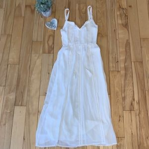 LUSH Clothing - White Crepe Midi Dress